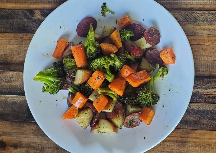 Sausage & Veggies Sheet Pan