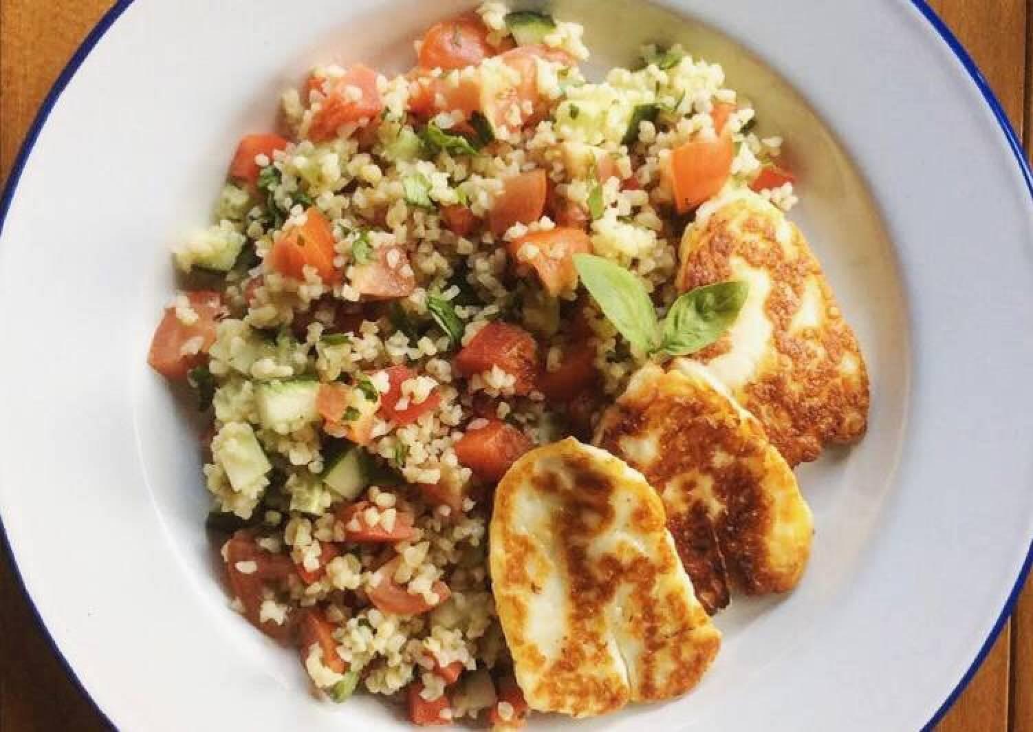 Bulgur Salad with Halloumi