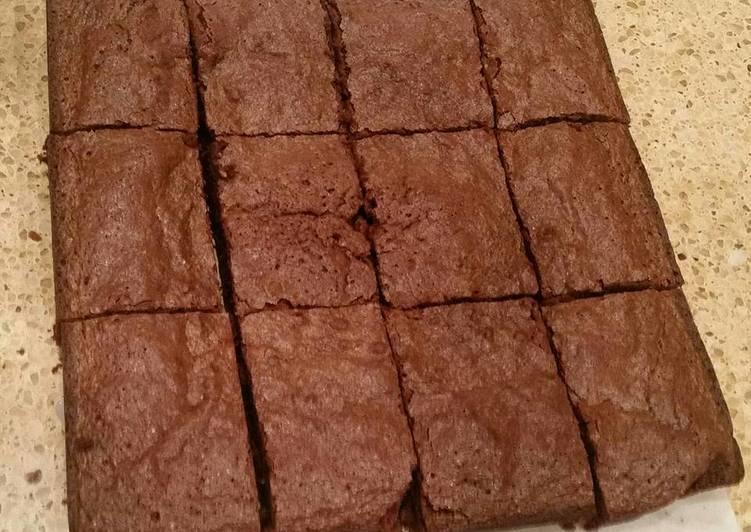 Easy Fudgy Brownies (Gluten Free or Regular)
