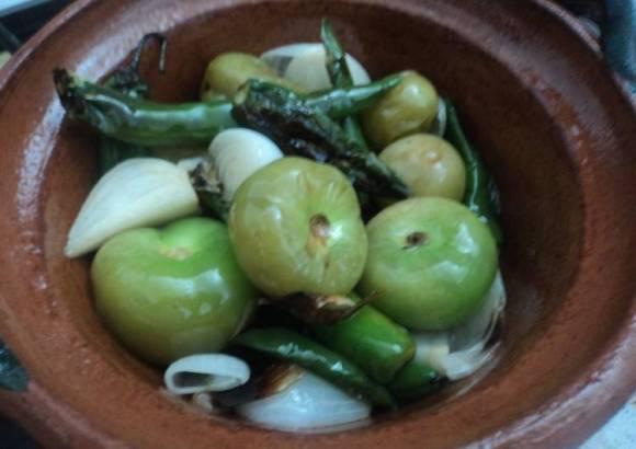Salsa verde de chiles dorados Mamá Guera al estilo ranchero