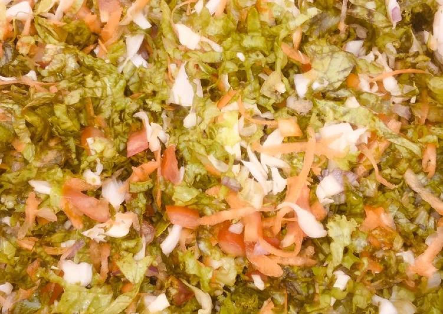 Lettuce mixed wit veggies
