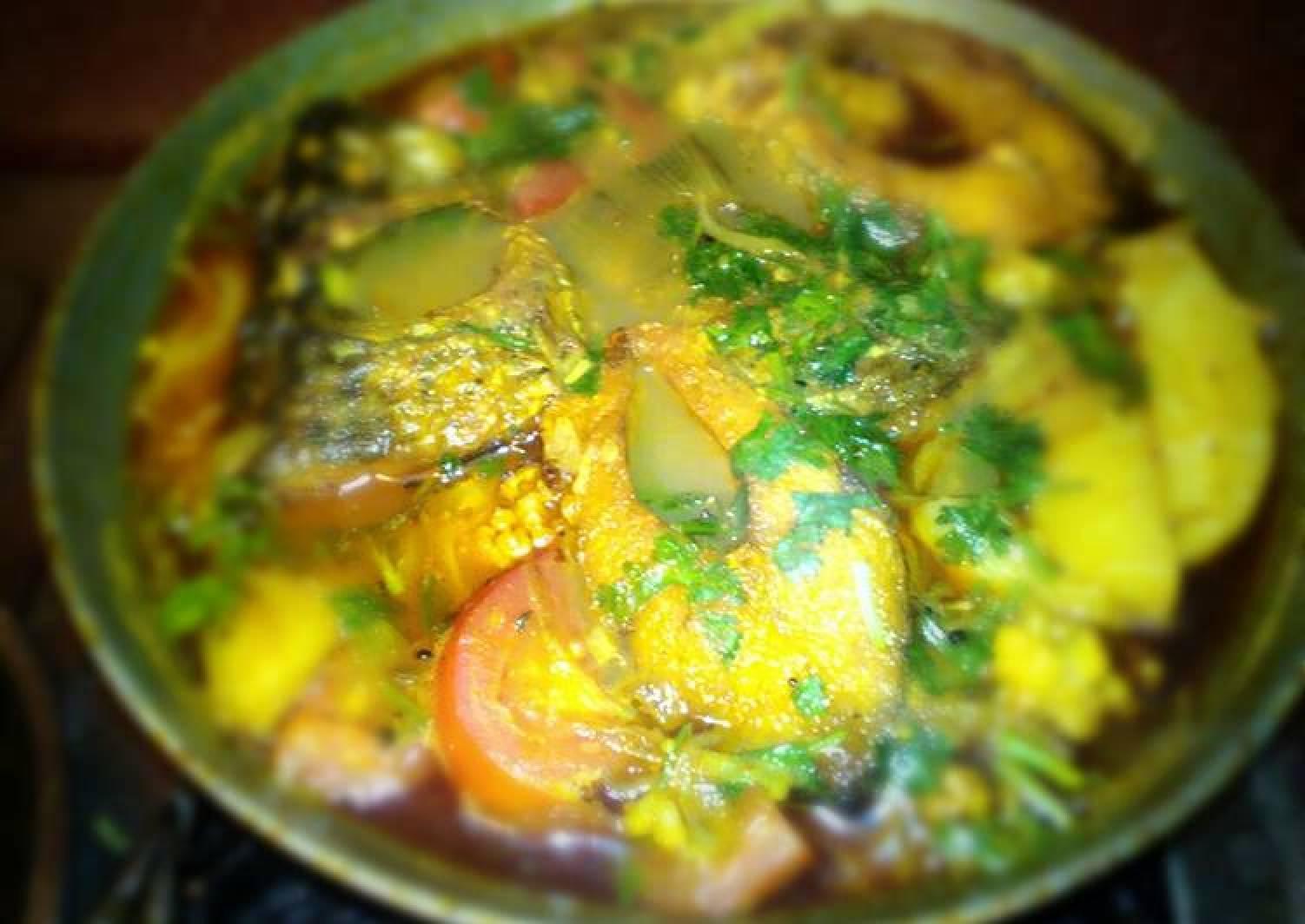 Katla fish curry