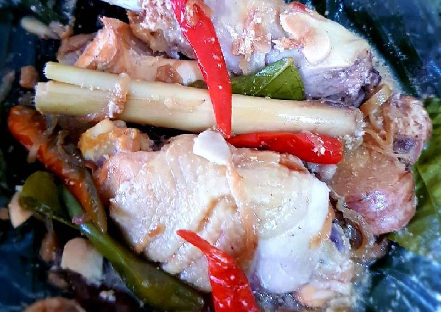 GARANG ASEM (Chicken Steamed in Banana Leaves)