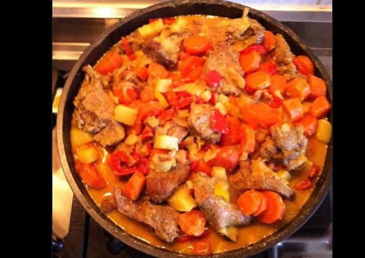 Sauté d agneau à l indienne aux tomates carottes pommes de terre et curry