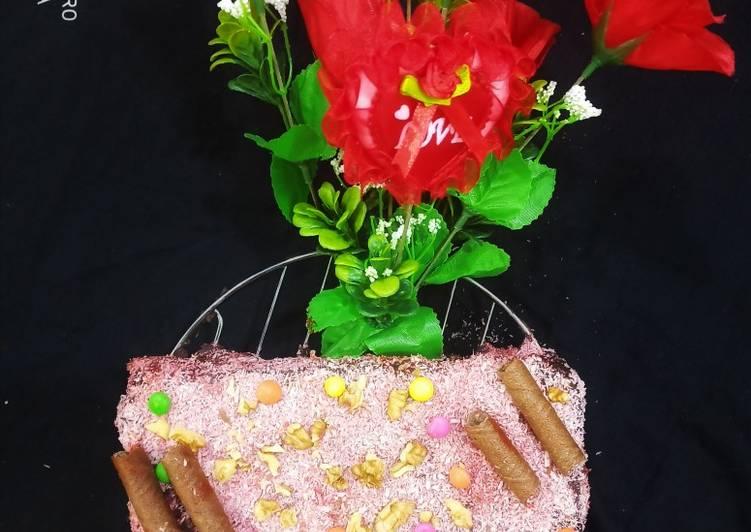 Walnut stuffed travel cake