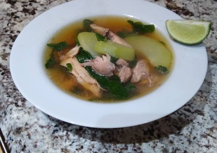 Chicken and Ginger Soup with Chayote & Spinach(Tinolang Manok)