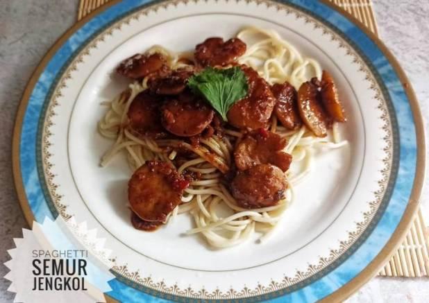 Spaghetti saus semur jengkol