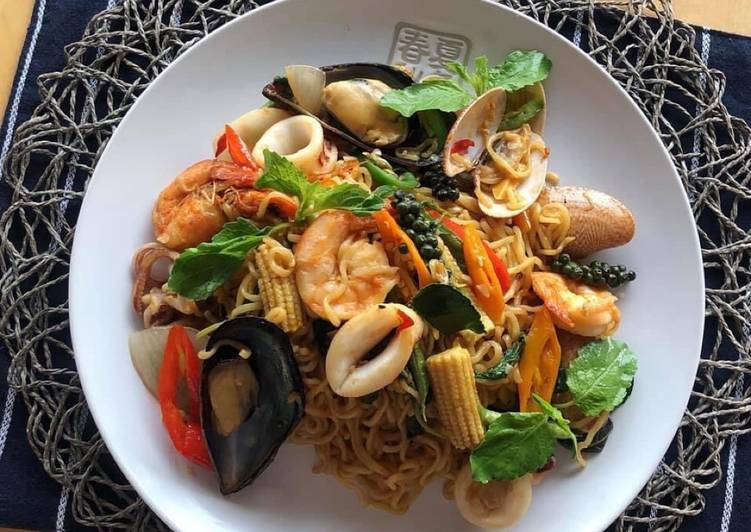 How To Make Thai Drunken Noodles At Home  Pad Kee Mao Recipe  ThaiChef Food
