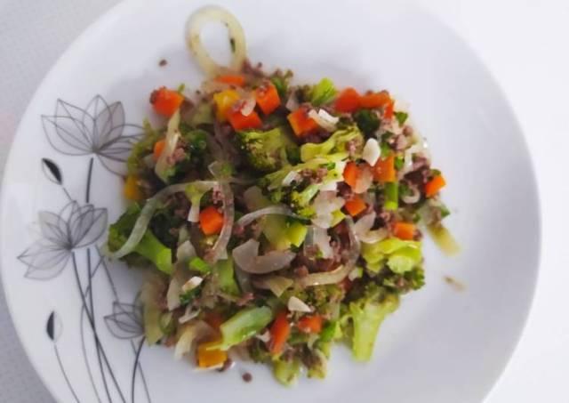 Tumis Daging Giling Brokoli Wortel