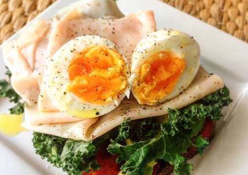 Foto principal de Tostada de Kale para desayuno