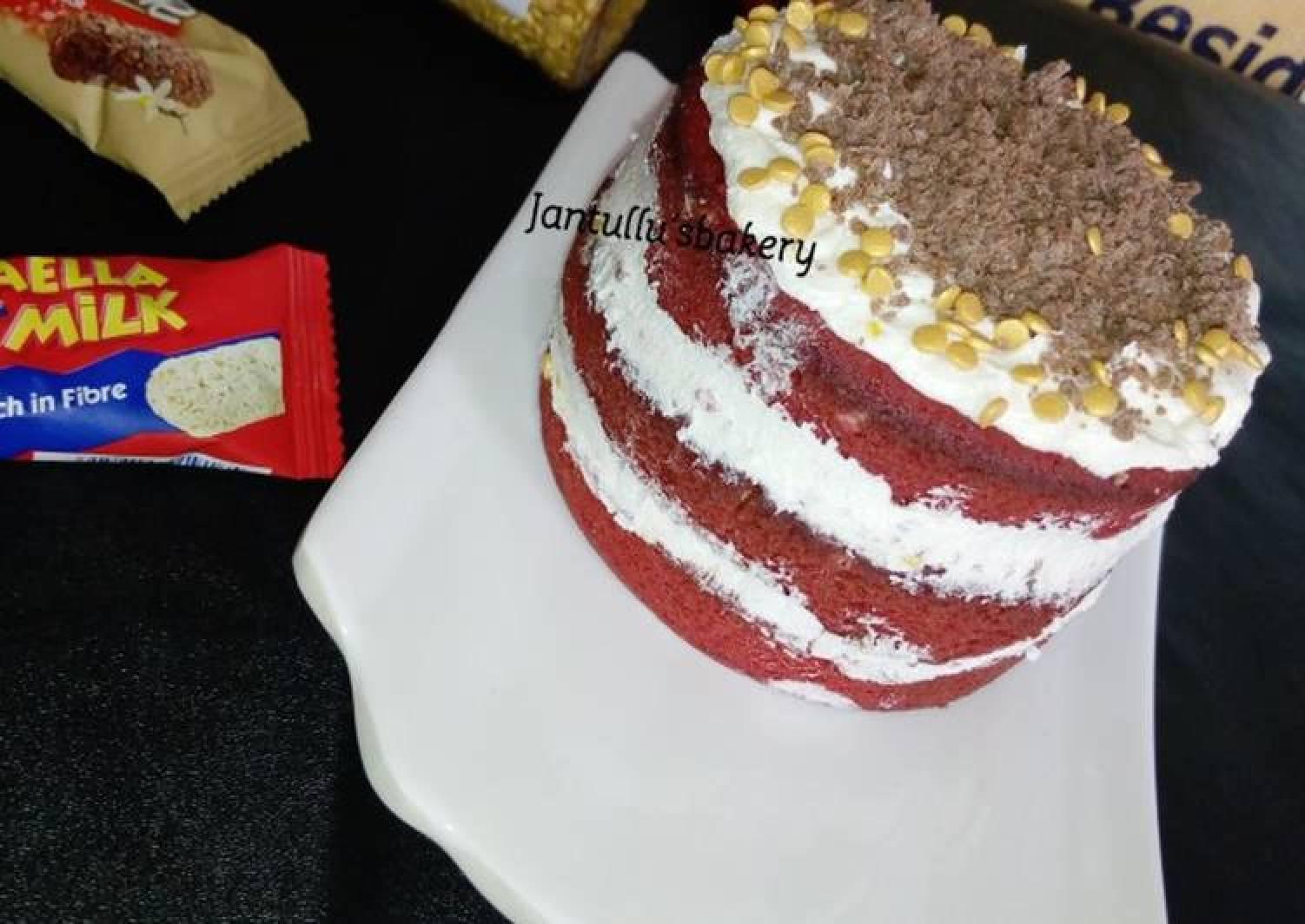 Secret and sprinkles cake dessert