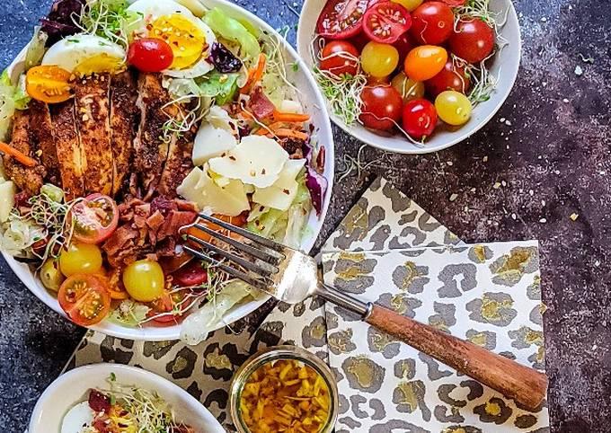 Steps to Prepare Speedy Iceberg Salad with Paprika Chicken