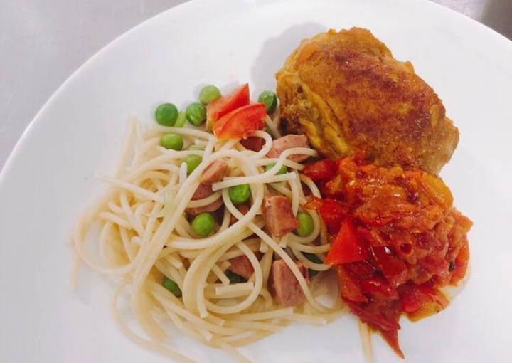 Pasta with chicken curry
