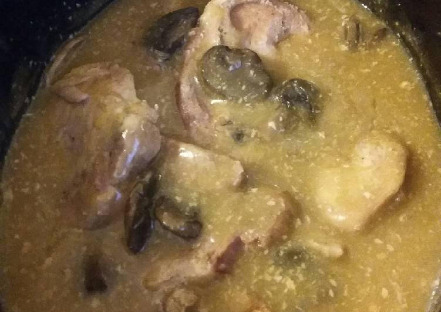 Slow Cooker Mushroom Ranch Pork Chops