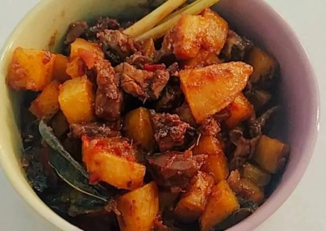 Balado kentang ati ampela
