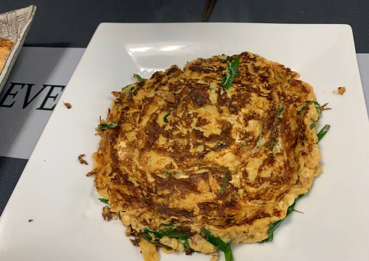 Chinese chives omelet