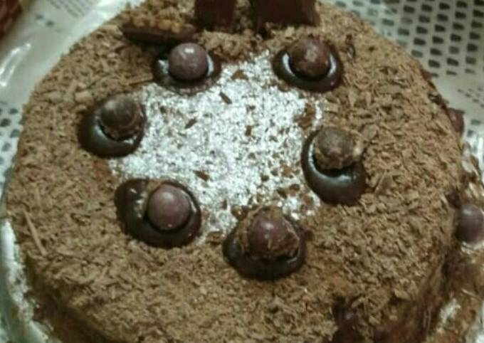 Cadbury Hot Chocolate Cake
