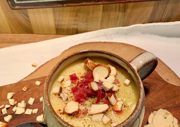 wie man Um Perfekte Kartoffel-Pastinaken-Suppe mit Wildspeck und Brezelcroutons zu machen