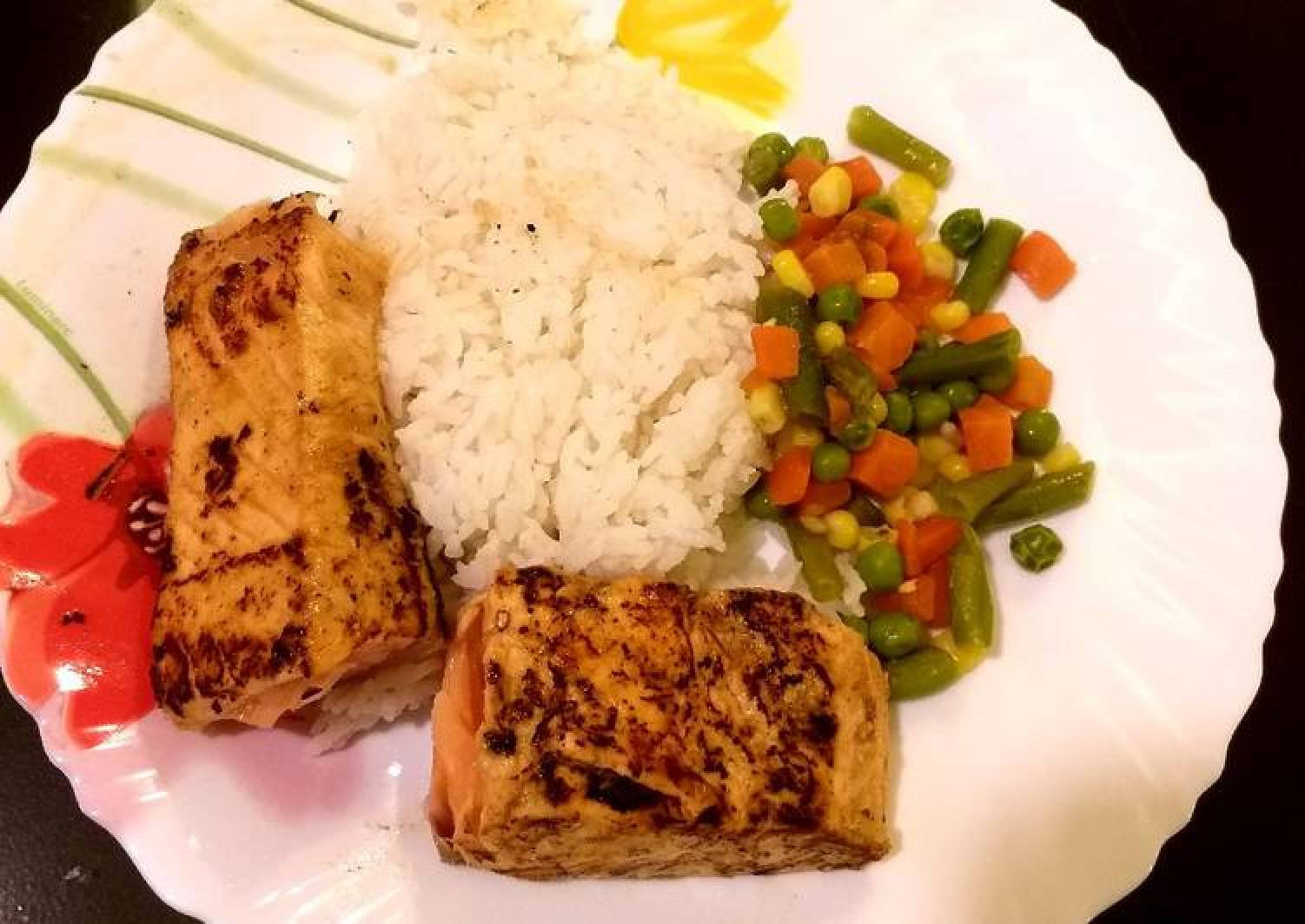 Pan grilled Salmon with tropical marinate