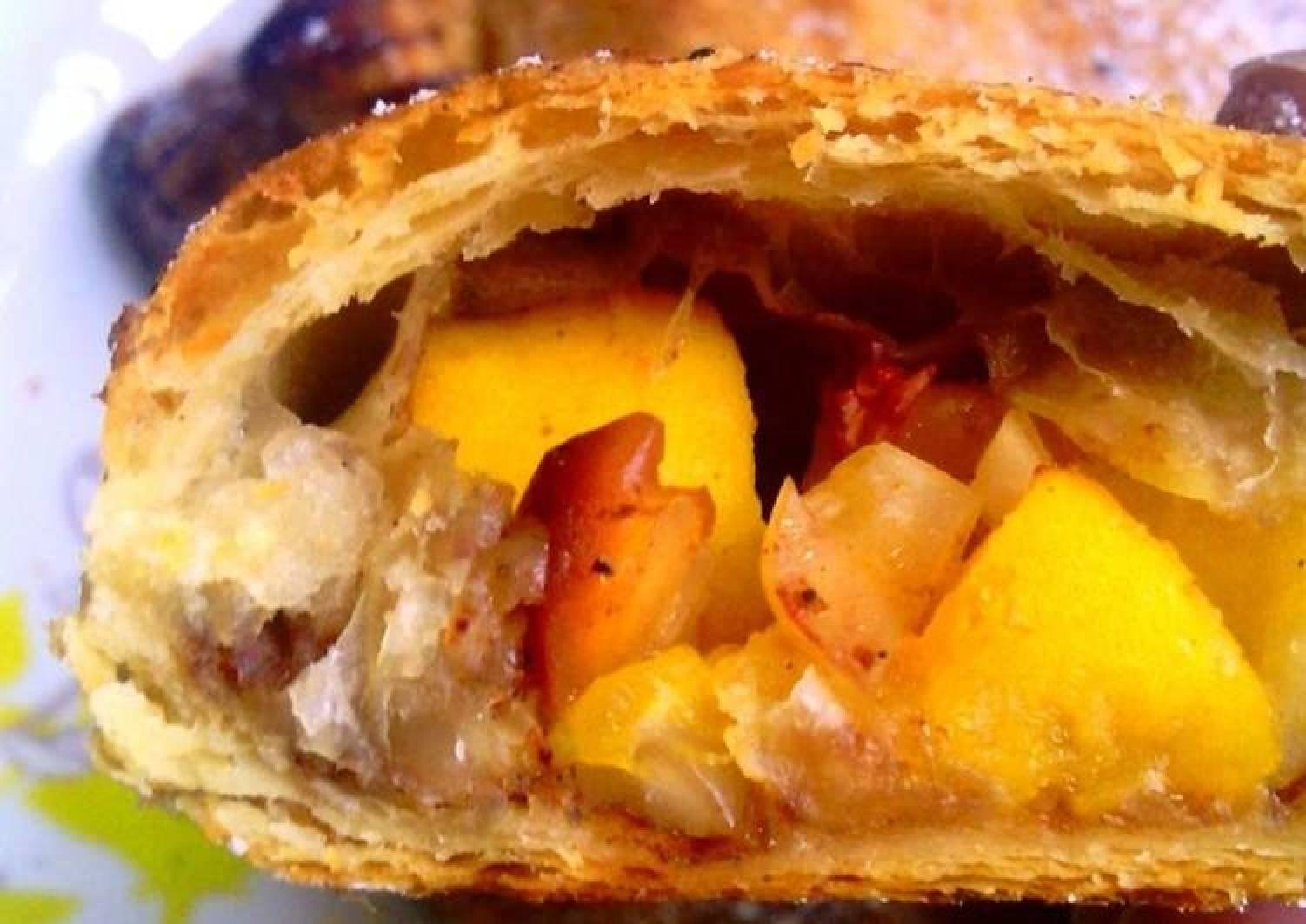 Pastelilos de Mango (mango puff pastry turnovers) #eastercontest