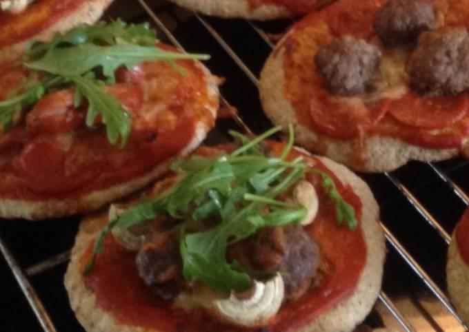 Opskrift På Ultimate Mini-pizza på bund af pitabrød På