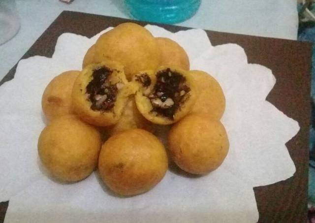 Bola2 ubi cilembu isi kacang coklat nampooll ala @dapurbyana