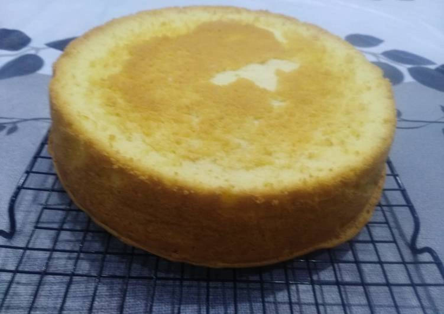 Vanilla sponge cake by chef tayyaba