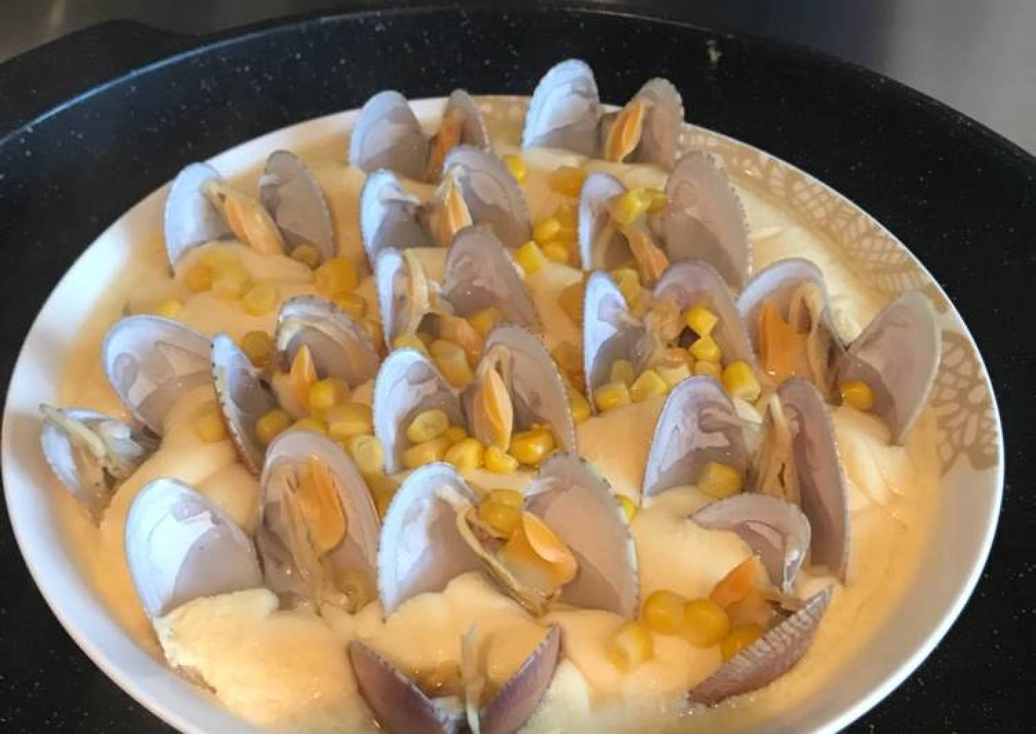 Steamed egg with clams