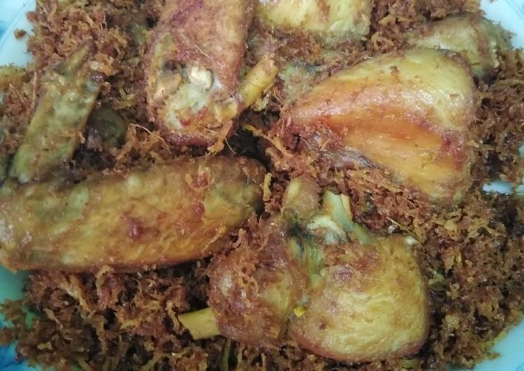 Ayam goreng bumbu srundeng