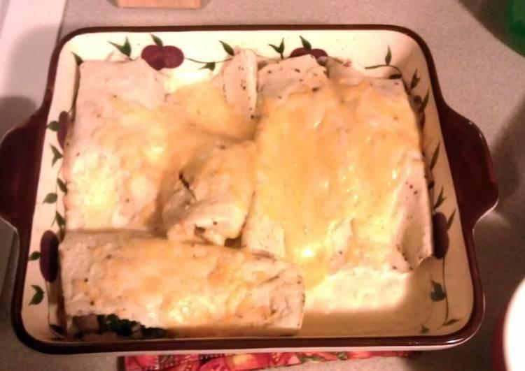 spinach mushroom n cheese enchiladas with white sauce