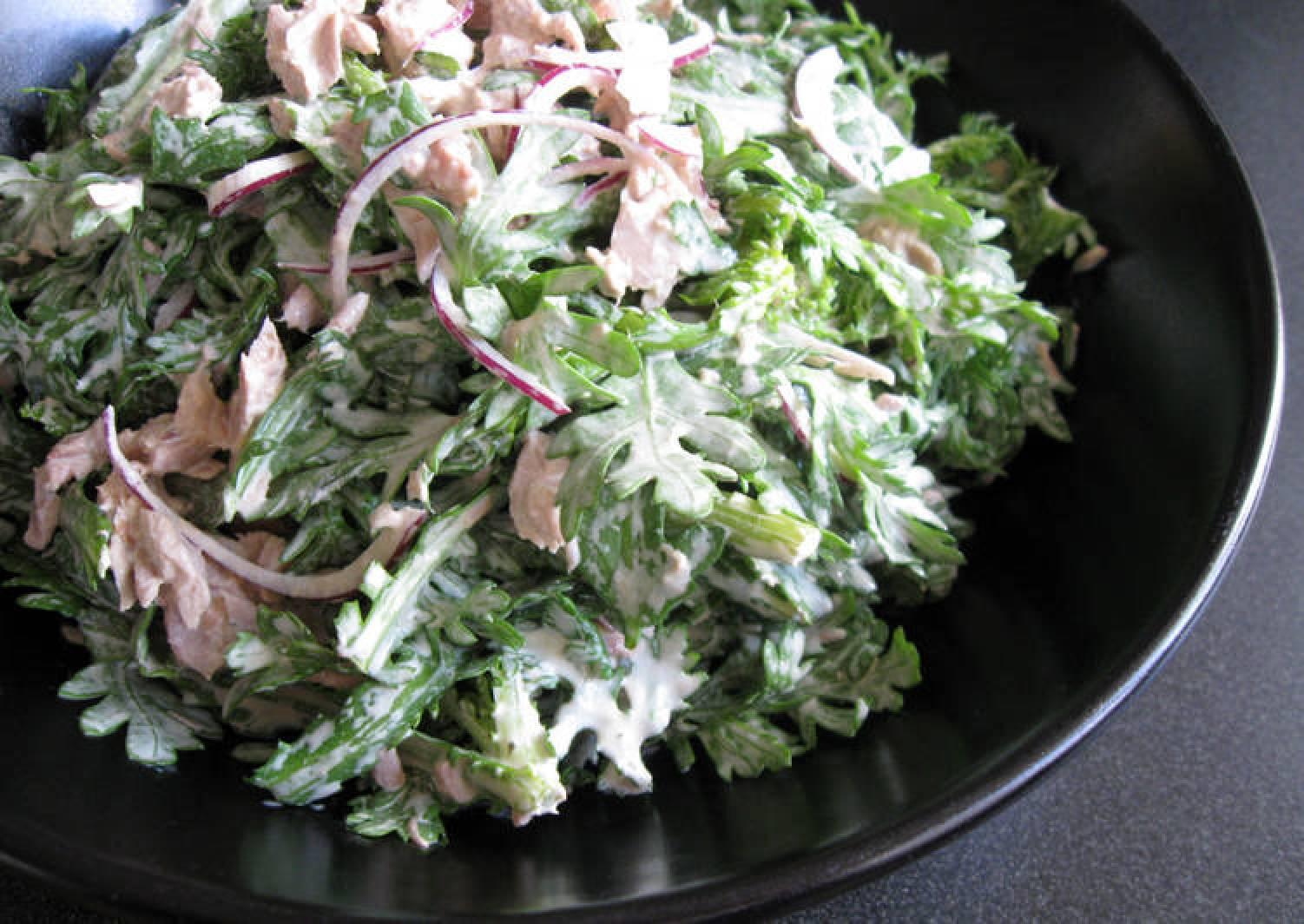 Shungiku (Edible Chrysanthemum) & Tuna Mayo Salad