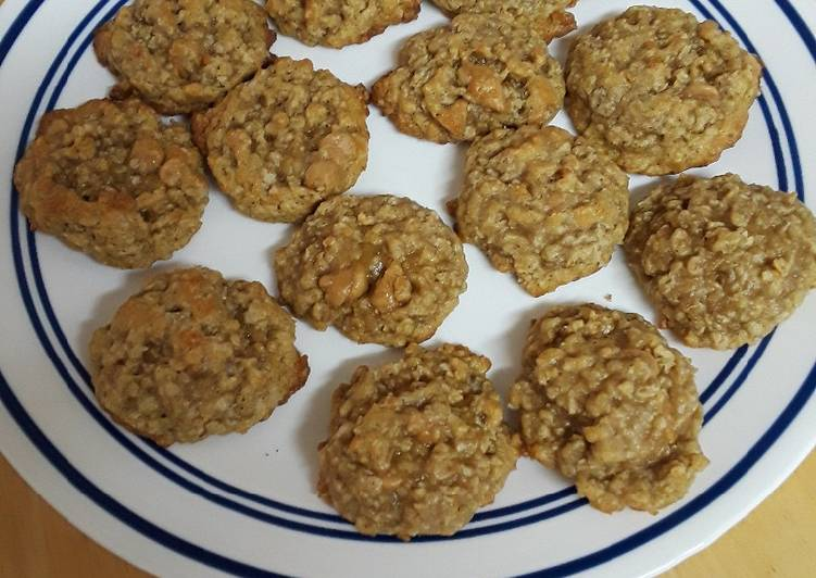 Caramel Chip Oatmeal Cookies