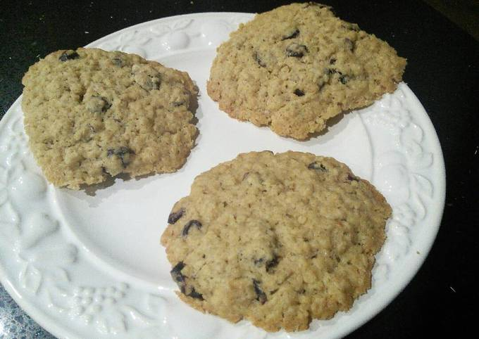 How to Make Quick Cranberry and Oat Cookies