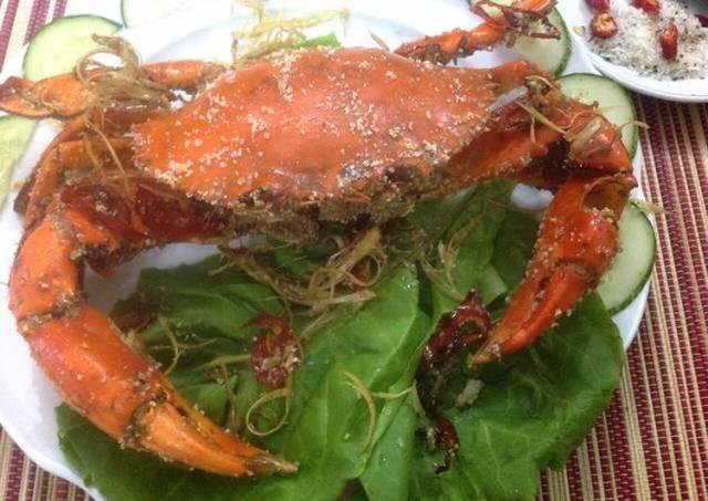 Vietnamese Roasted Crab in Salt Crust
