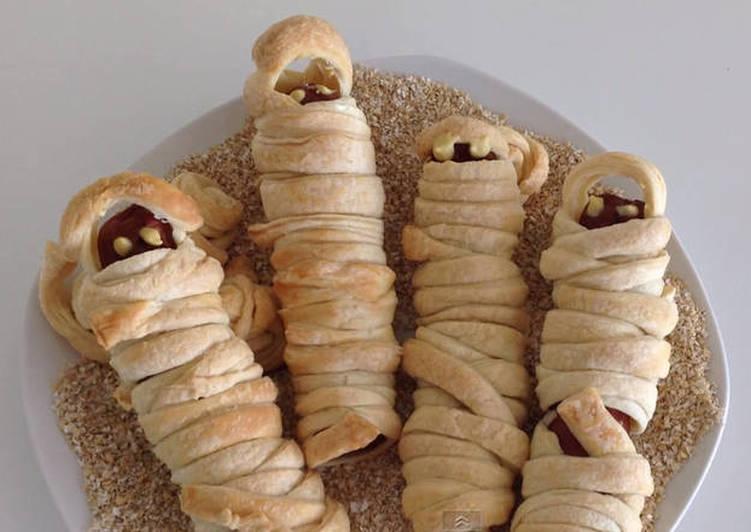 Sausage Mummies for Halloween
