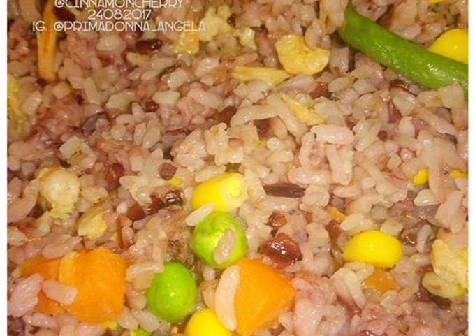 Fried Rice with Dried Shrimps and Frozen Veggies