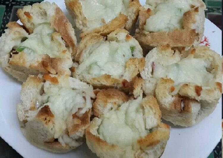 Bread Pizza Muffins
