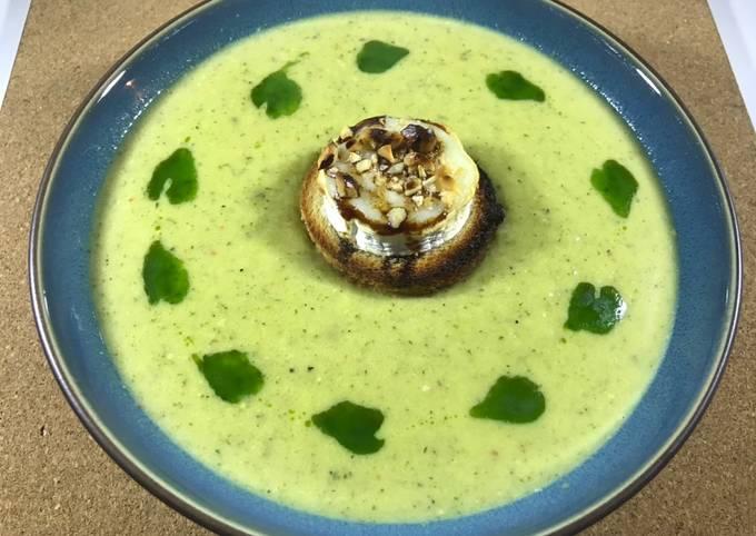 Opskrift På Rene Redzepi Broccoli suppe med fløde og gedeostetoasts - Rimmers Køkken På