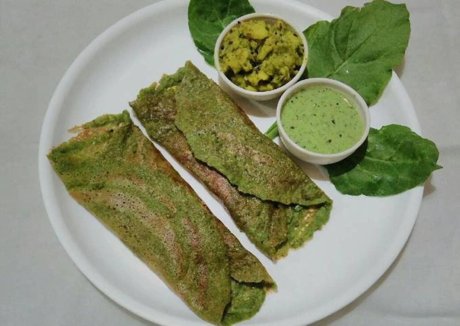 Spinach moong dal chilla