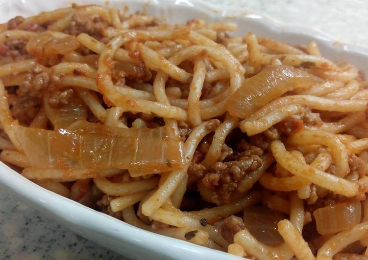 Pasta With Minced Beef and Pomodoro del Campo Sauce