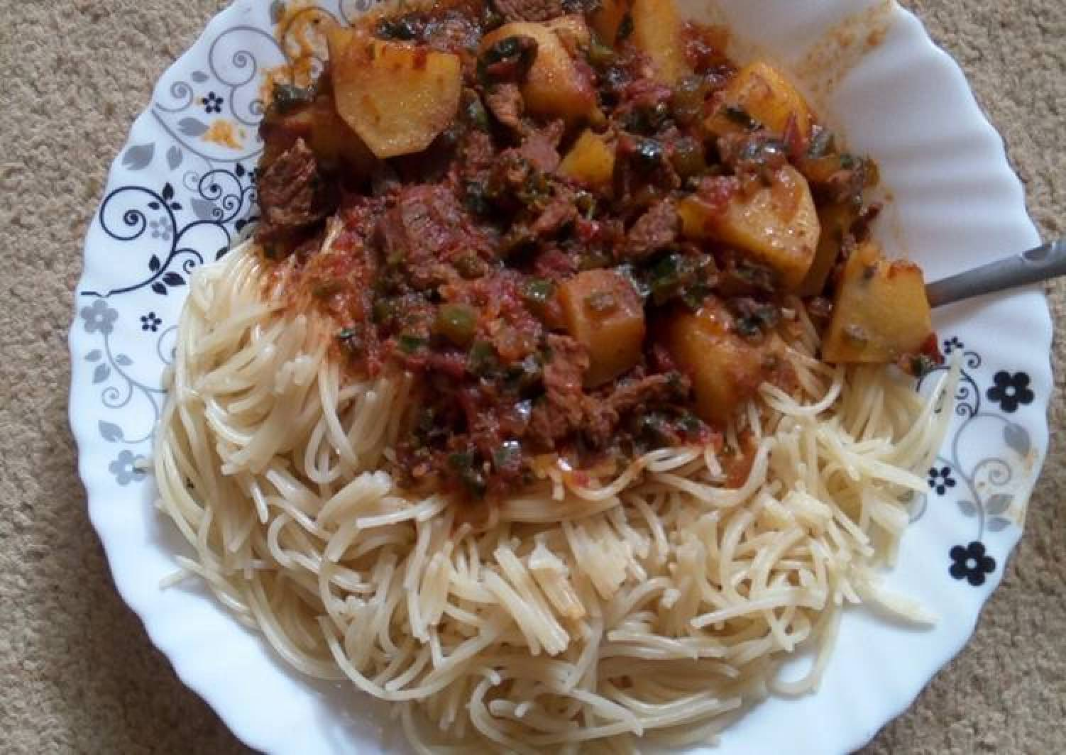 Spaghetti and beef stew