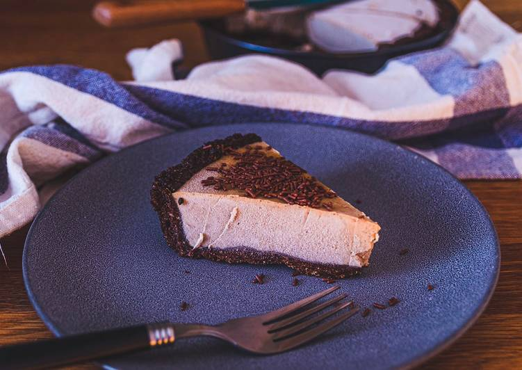 Healthy Vegan Peanut-Butter Pie