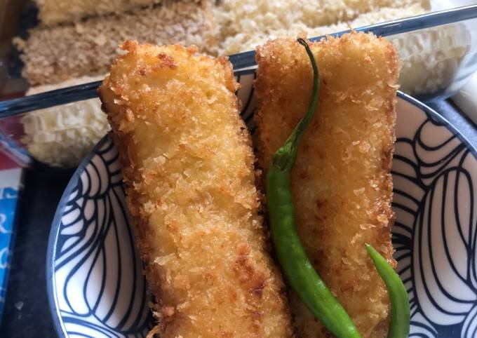 How to Prepare Homemade Risoles with chicken ragoet (creamy) filling - Indonesian Snack