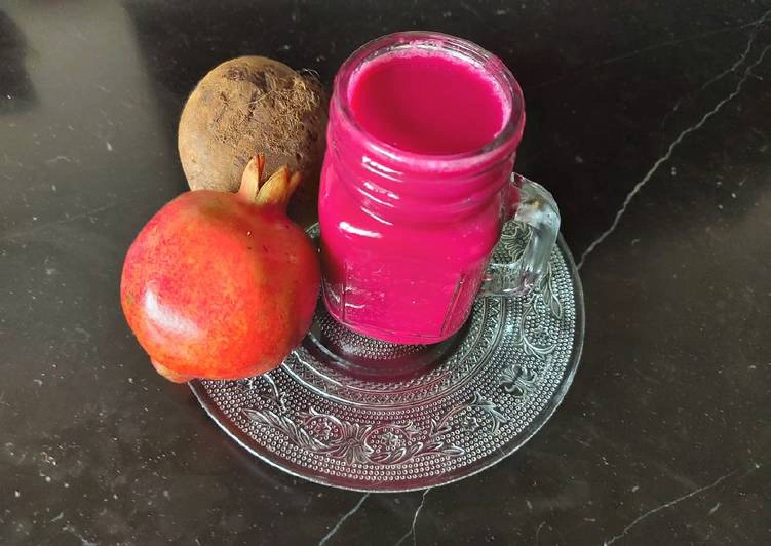 Beetroot and pomegranate juice