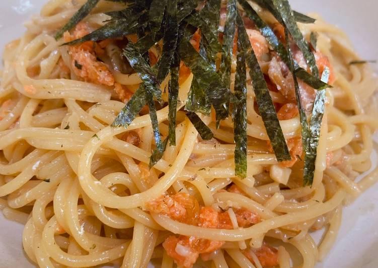 Recipe of Homemade Bacon, salmon and mushroom creamy & soy sauce pasta