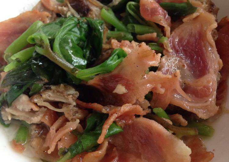 Keto Bacon Spinach Salad