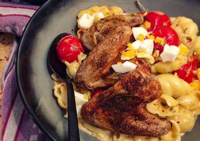Schritt für Schritt Anleitung Um Jamie Oliver Pasta in Käsesauce mit Chickenwings zu machen