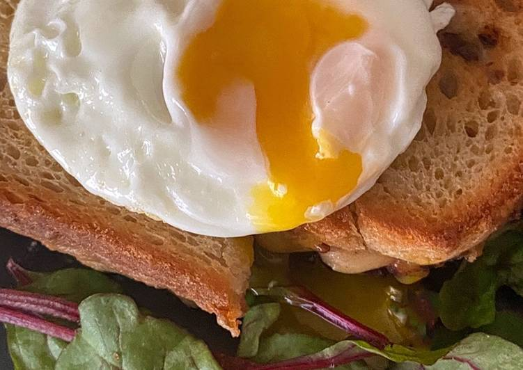 Croque Monsieur with a simple side salad. And a croque madame for the ladies