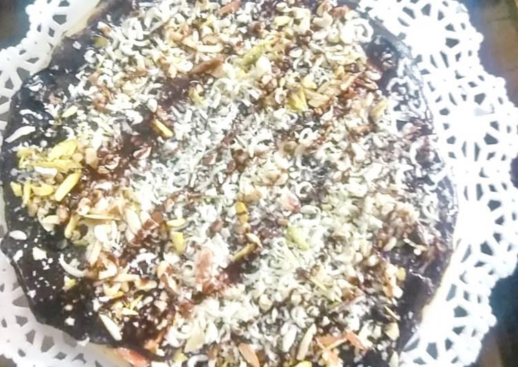 Recipe of Quick Dryfruit Chocolate Pizza 🍕 😍