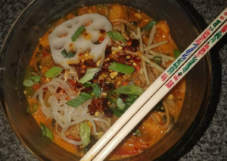 Gochujang and coconut noodle soup vegan